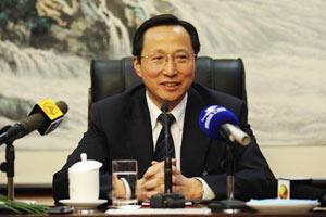农业部部长韩长赋就农民增收答记者问